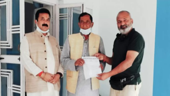 Memorandum given for early preparation of drinking water scheme and rail project